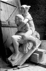 Cathédrale Notre-Dame - Pignon du bras nord du transept, figures de rampants, restauration