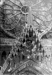 Cathédrale Notre-Dame - Portail ouest, pignon de la porte centrale