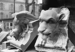 Cathédrale Notre-Dame - Bête d'amortissement, modèles pour la restauration, transept nord