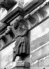 Cathédrale Notre-Dame - Cariatide du cinquième contrefort, façade sud