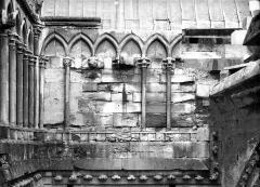Cathédrale Notre-Dame - Ancienne galerie du transept, avant restauration