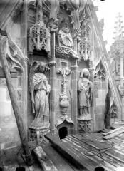 Cathédrale Notre-Dame - Pignon du bras nord du transept, Annonciation, après restauration