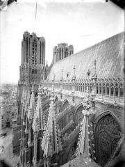 Cathédrale Notre-Dame - Toiture de la nef et tours