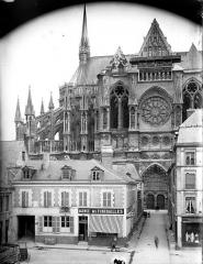Cathédrale Notre-Dame - Abside, côté nord, en hauteur