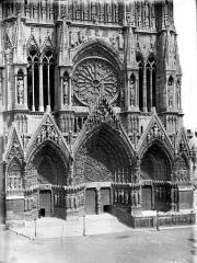 Cathédrale Notre-Dame - Portail ouest et rose