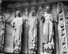 Cathédrale Notre-Dame - Portail ouest, porte nord, ébrasement gauche