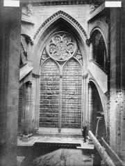 Cathédrale Notre-Dame - Fenêtre de l'abside