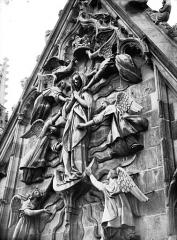Cathédrale Notre-Dame - Pignon du transept sud, l'Assomption