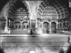 Cathédrale Notre-Dame - Portail nord, les deux portes
