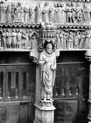 Cathédrale Notre-Dame - Portail nord, portail de saint Sixte, statue de saint Sixte