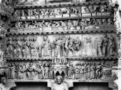 Cathédrale Notre-Dame - Portail nord, portail de la Résurrection, tympan, registres inférieurs