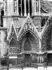 Cathédrale Notre-Dame - Portail ouest, porte de gauche