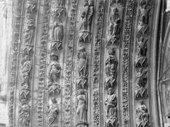 Cathédrale Notre-Dame - Portail ouest, porte centrale, partie médiane de la voussure gauche