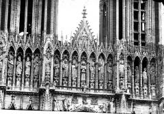 Cathédrale Notre-Dame - Portail ouest, Galerie des Rois