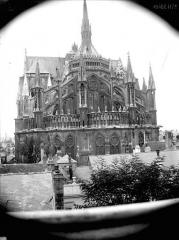 Cathédrale Notre-Dame - Abside, prise du lycée de Jeunes-Filles
