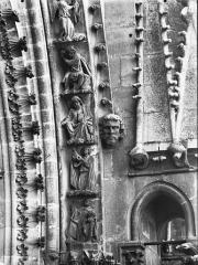 Cathédrale Notre-Dame - Rose nord, partie inférieure de la voussure à droite