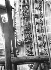 Cathédrale Notre-Dame - Rose nord, partie inférieure de la voussure à gauche