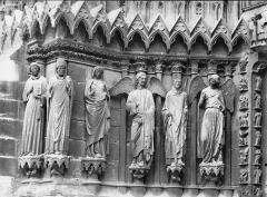 Cathédrale Notre-Dame - Portail ouest, porte gauche, ébrasement gauche