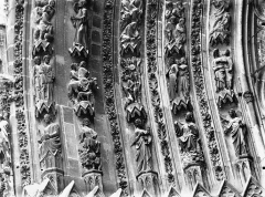 Cathédrale Notre-Dame - Portail ouest, porte gauche, voussure de gauche, partie inférieure