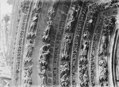 Cathédrale Notre-Dame - Portail ouest, porte gauche, voussure de gauche, partie supérieure