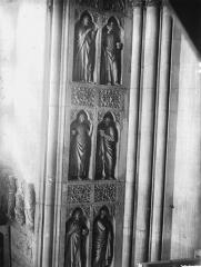Cathédrale Notre-Dame - Portail ouest, revers, statues et niches