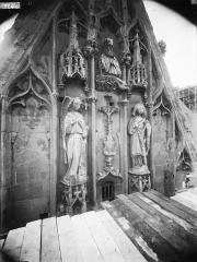 Cathédrale Notre-Dame - Pignon du bras nord du transept, l'Annonciation