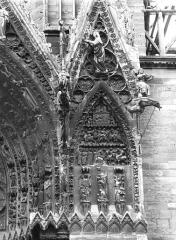 Cathédrale Notre-Dame - Rose nord, voussure, la Genèse