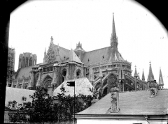 Cathédrale Notre-Dame - Ensemble sud-est, pris de la rue de l'Université