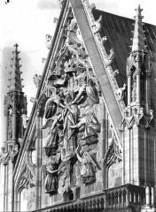 Cathédrale Notre-Dame - Pignon du bras sud du transept, l'Assomption