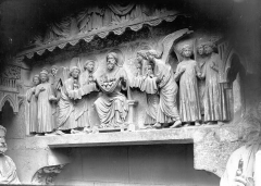 Cathédrale Notre-Dame - Portail nors, linteau, les Elus