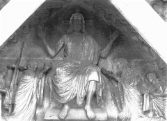 Cathédrale Notre-Dame - Portail nord, Christ présentant les stigmates