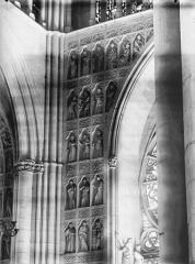 Cathédrale Notre-Dame - Portail ouest, revers, niches et statues