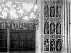 Cathédrale Notre-Dame - Portail ouest, revers, niches, statues et linteau