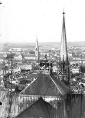 Cathédrale Notre-Dame - Carillon et clocher à l'Ange