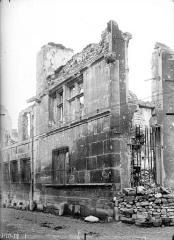 Hôtel Le Vergeur - Façade