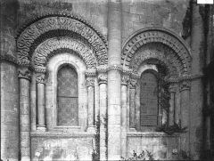 Eglise Saint-Pierre de Marestay - Abside, fenêtres