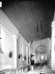 Eglise Saint-Nazaire - Nef, vue de l'entrée
