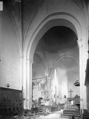 Ancienne abbaye Notre-Dame - Eglise, nef, vue du choeur