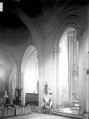 Ancienne abbaye Notre-Dame - Eglise, transept, vue diagonale prise du sud