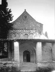 Eglise Saint-Cézaire - Façade ouest