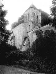 Eglise Saint-Cézaire - Côté sud-est