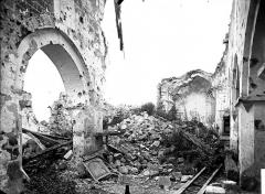 Eglise et ancien cimetière communal - Nef