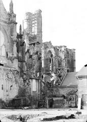 Cathédrale Saint-Gervais et Saint-Protais - Clocher et partie nord