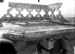 Cathédrale Saint-Gervais et Saint-Protais - Clocher, balustrade