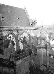 Cathédrale Saint-Gervais et Saint-Protais - Façade latérale, partie