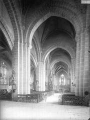Eglise Saint-Laurent - Nef, vue de l'entrée