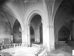 Eglise Saint-Maixent - Vue diagonale du choeur et bas-côté nord