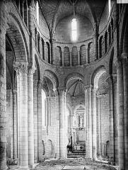 Ancienne abbaye Saint-Jouin - Choeur, avant la pose des boiseries