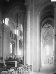 Ancienne abbaye Saint-Jouin - Choeur, vue diagonale