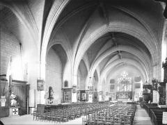 Eglise Saint-Médard - Nef, vue de l'entrée